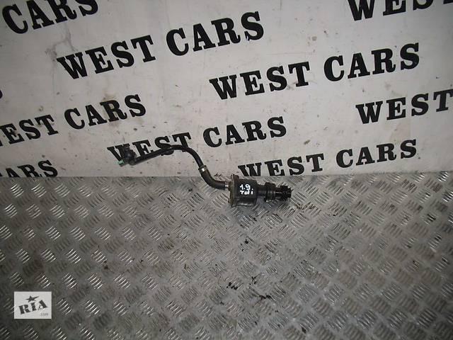 купить бу 5 Вакуумный насос 028207A на Volkswagen Passat в Луцке