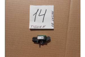 б/в датчики удару Volkswagen Tiguan