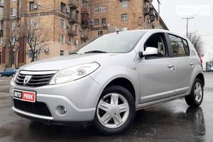 Dacia Sandero 1.6 МТ 2008