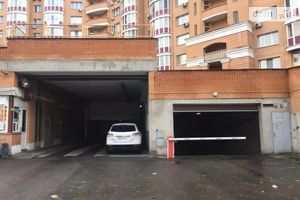 Сдается в аренду подземный паркинг под легковое авто на 21 кв. м