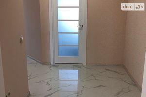 Продается 2-комнатная квартира 70.3 кв. м в Ужгороде