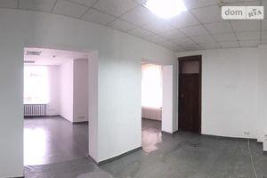 Здається в оренду офіс 473.4 кв. м в нежитловому приміщені в житловому будинку