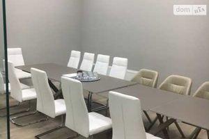 Продається офіс 93 кв. м в торгово-офісному центрі