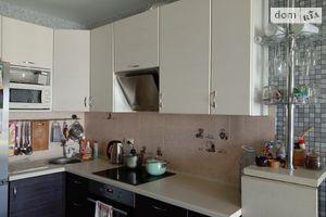 Продается 2-комнатная квартира 71.7 кв. м в Киеве