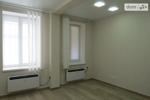 Продається офіс 71 кв. м в нежитловому приміщені в житловому будинку