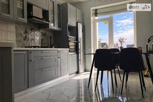 Продается 2-комнатная квартира 65 кв. м в Львове