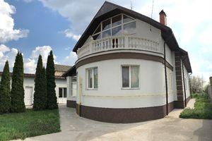 Продається будинок 2 поверховий 245 кв. м з ділянкою