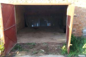 Продається місце в гаражному кооперативі під легкове авто на 20 кв. м