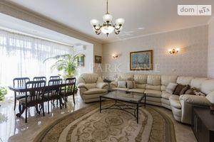 Продается дом на 3 этажа 300 кв. м с террасой
