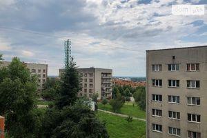 Продається 1-кімнатна квартира 44 кв. м у Ужгороді