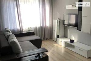 Продається 3-кімнатна квартира 57.2 кв. м у Києві