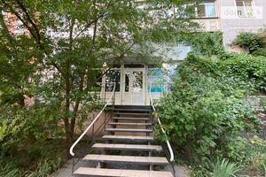 Продається офіс 35 кв. м в нежитловому приміщені в житловому будинку