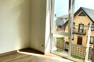 Продается 2-комнатная квартира 43 кв. м в Ровно