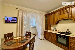 Продається 2-кімнатна квартира 71 кв. м у Вінниці