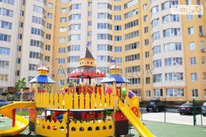 Продается 2-комнатная квартира 73.6 кв. м в Киево-Святошинске