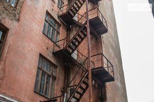 Продается дом на 5 этажа 2100 кв. м с садом