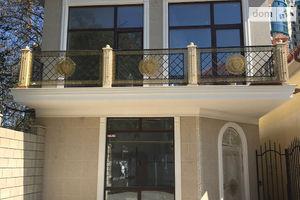 Продається будинок 3 поверховий 185 кв. м з банею/сауною
