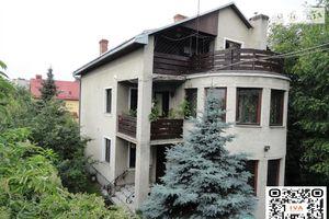 Продается дом на 2 этажа 176 кв. м с садом