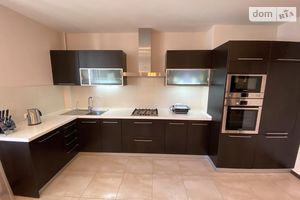 Продается 2-комнатная квартира 121.6 кв. м в Николаеве