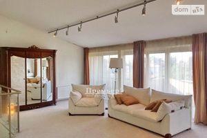 Продается дом на 3 этажа 337 кв. м с верандой
