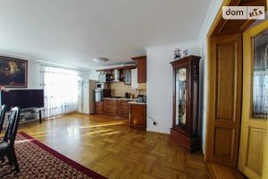 Продается 4-комнатная квартира 144 кв. м в Тернополе