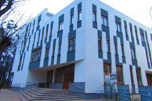 Продається адміністративна будівля 3900 кв.м
