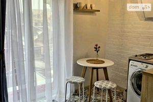 Сдается в аренду 1-комнатная квартира 25 кв. м в Ровно