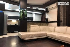 Продається 3-кімнатна квартира 93 кв. м у Одесі