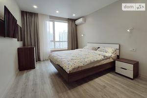 Сдается в аренду 1-комнатная квартира 50.6 кв. м в Киеве