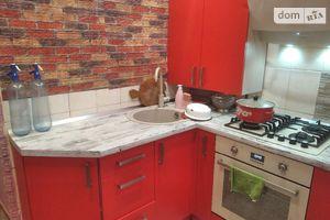 Продается 3-комнатная квартира 60 кв. м в Ужгороде