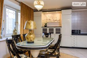 Продается 4-комнатная квартира 170 кв. м в Киеве