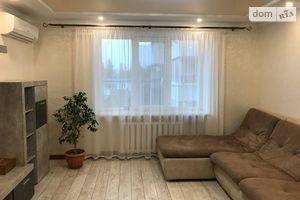 Продается 4-комнатная квартира 76 кв. м в Херсоне