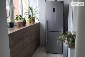 Продается 3-комнатная квартира 66.7 кв. м в Ужгороде