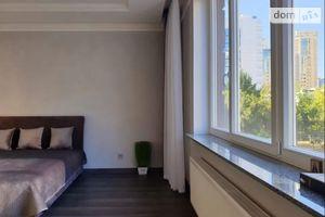 Продається 3-кімнатна квартира 90 кв. м у Одесі