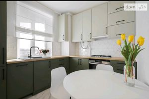 Продається 1-кімнатна квартира 35.5 кв. м у Києво-Святошинську