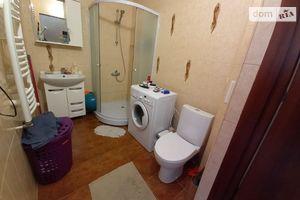 Продается 3-комнатная квартира 93.3 кв. м в Ужгороде