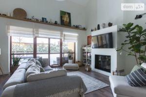 Продается дом на 2 этажа 270 кв. м с садом