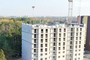 Продається 2-кімнатна квартира 69.7 кв. м у Чернігові