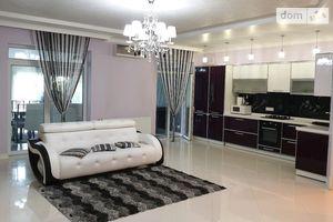 Сдается в аренду 4-комнатная квартира 110 кв. м в Ужгороде