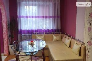 Продается 3-комнатная квартира 60 кв. м в Гусятине