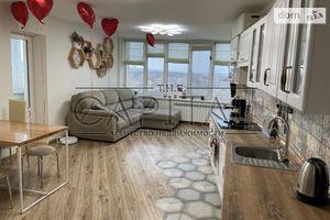 Здається в оренду 4-кімнатна квартира 97 кв. м у Києві