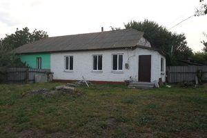 Продається частина будинку 37.5 кв. м з садом