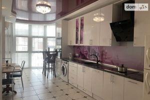 Продается 2-комнатная квартира 93.4 кв. м в Чернигове