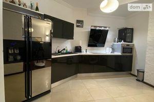 Продается 3-комнатная квартира 128.5 кв. м в Одессе