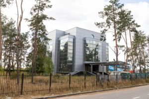 Сдается в аренду объект сферы услуг 2600 кв. м в 4-этажном здании