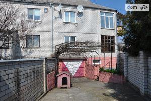 Продається частина будинку 200 кв. м з садом