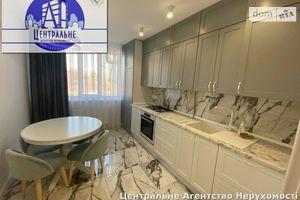 Продается 2-комнатная квартира 68 кв. м в Черновцах