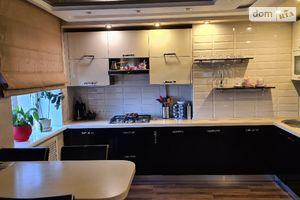 Продается 4-комнатная квартира 77 кв. м в Мариуполе
