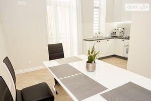 Сдается в аренду 2-комнатная квартира 86 кв. м в Черновцах