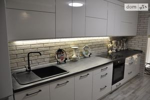 Продается 3-комнатная квартира 105 кв. м в Житомире